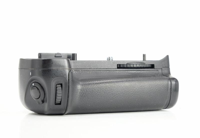 Aputure BP-D11, bateriový grip pro Nikon D7000