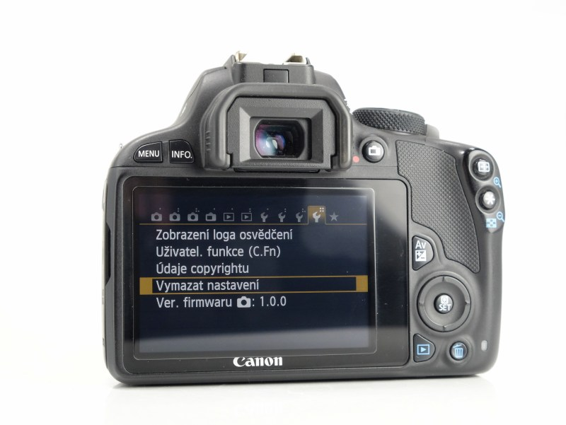 Canon 100D + Canon 18-55mm IS STM TOP STAV