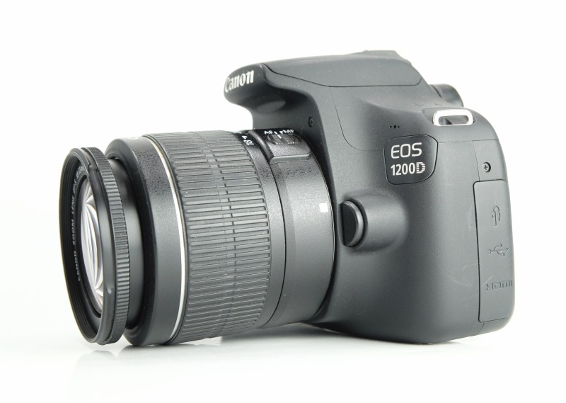 Canon EOS 1200D + 18-55mm  III  SUPER STAV