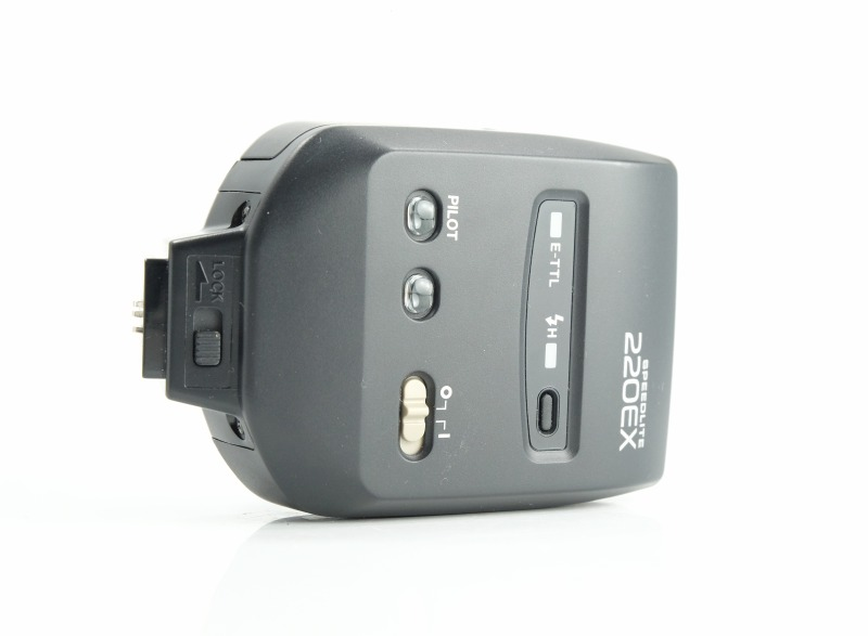 Canon blesk Speedlite 220 EX TOP STAV