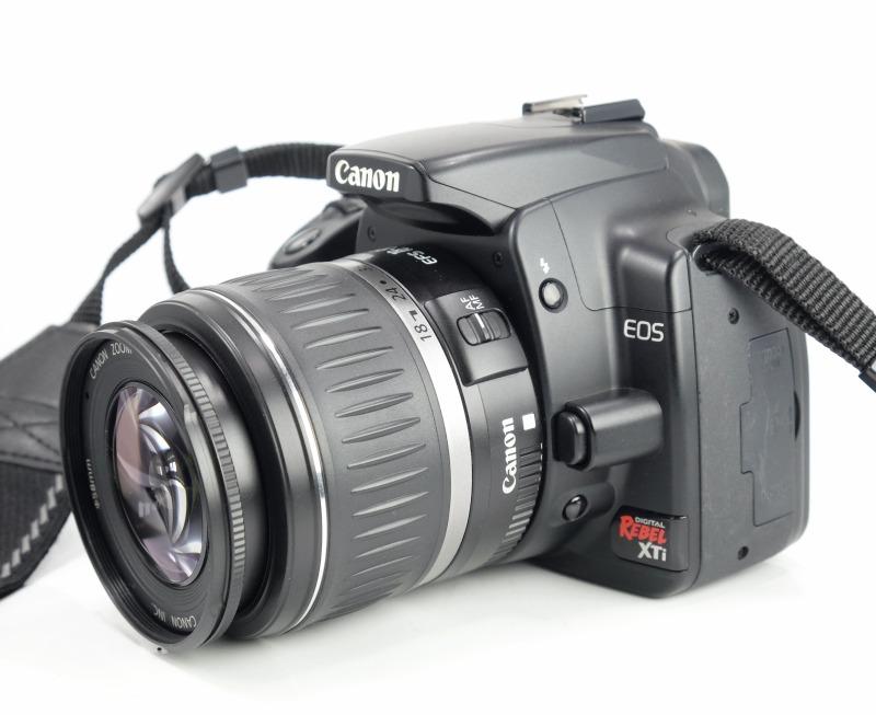 Canon EOS 400D + Canon 18-55mm II TOP STAV