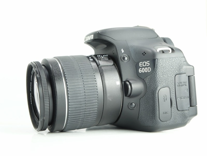 Canon EOS 600D + 18-55mm III