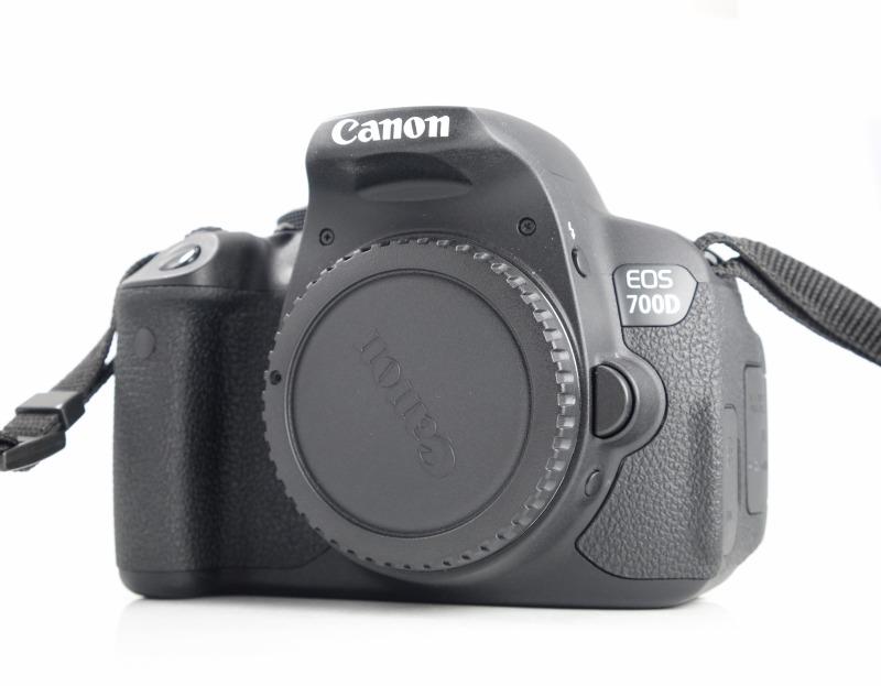 Canon EOS 700D SUPER STAV