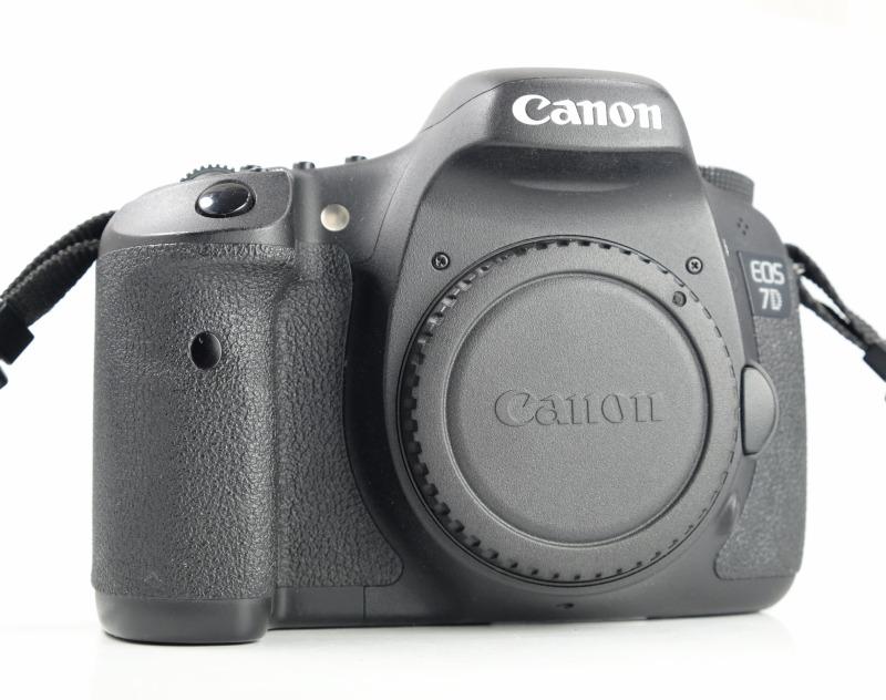 Canon EOS 7D   TOP STAV