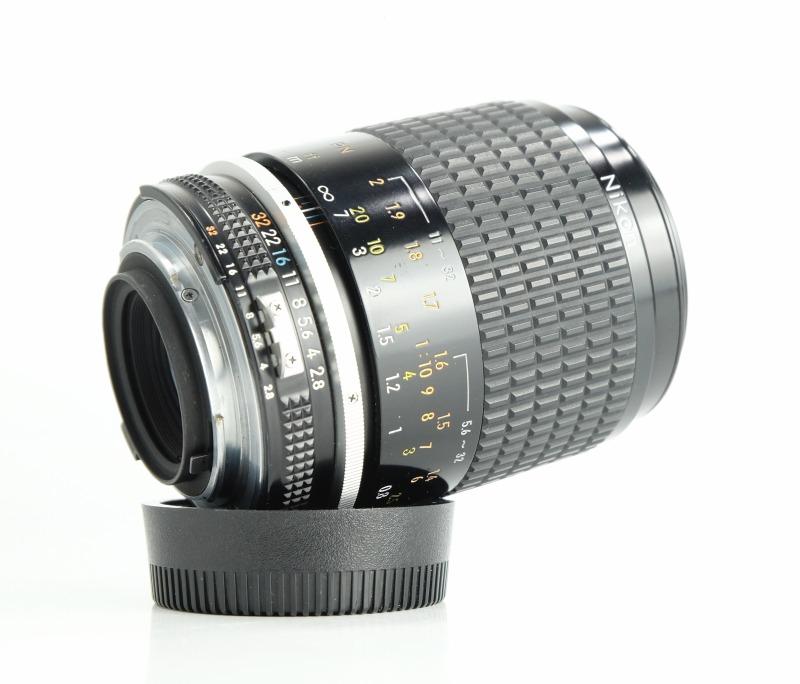 NIKON MF 105mm f2.8 Micro