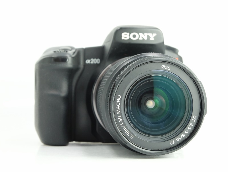 Sony Alpha A200 + DT 18-70 mm