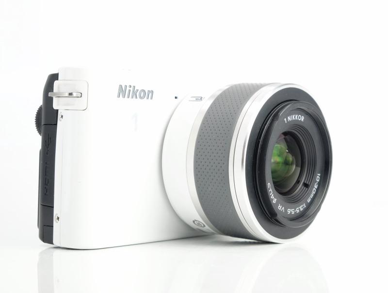 NIKON 1 J1 + 10-30 mm VR