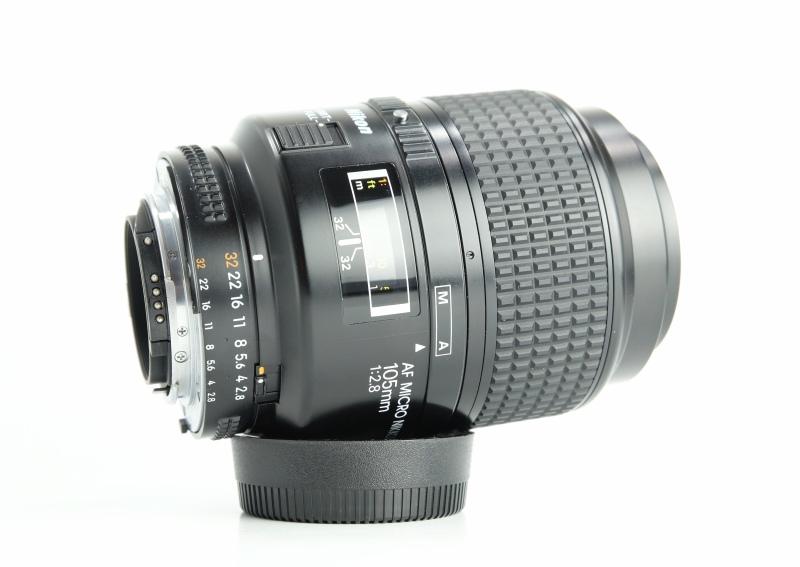 NIKON 105 mm f/2,8 AF  Micro