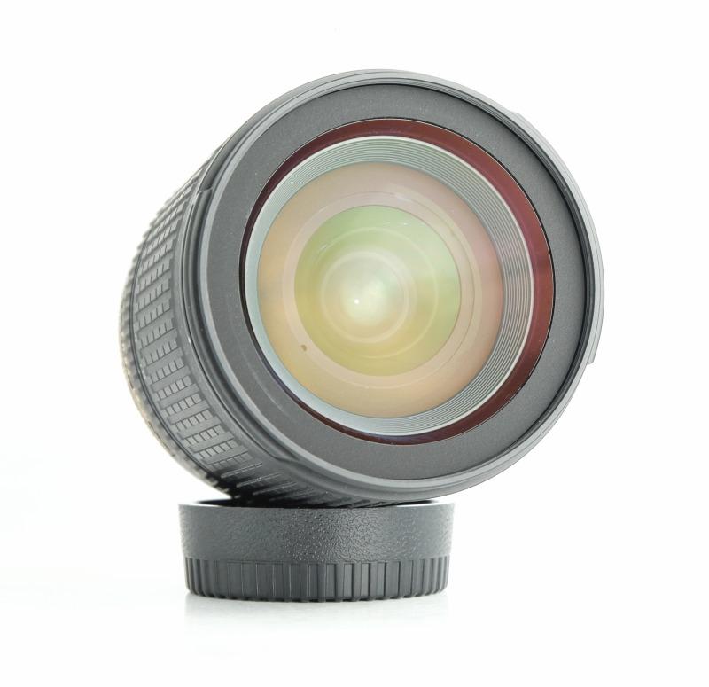 Nikon 18-135 mm F 3,5-5,6G AF-S DX  TOP