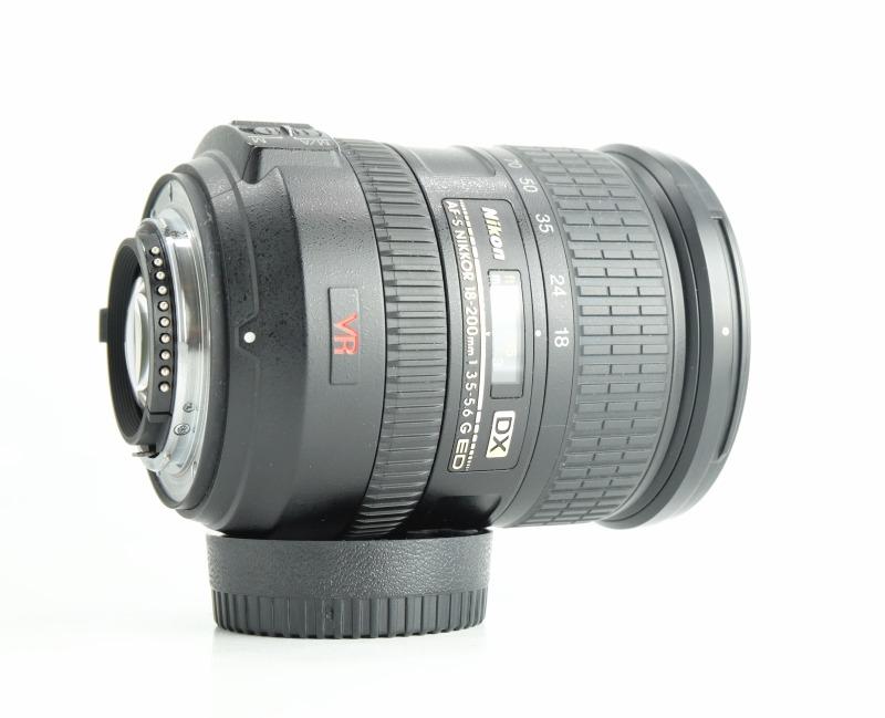 NIKON 18-200 mm f/3,5-5,6 G AF-S DX VR TOP STAV