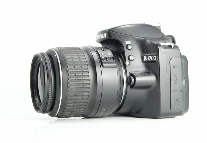 NIKON D3200  + 18-55 mm