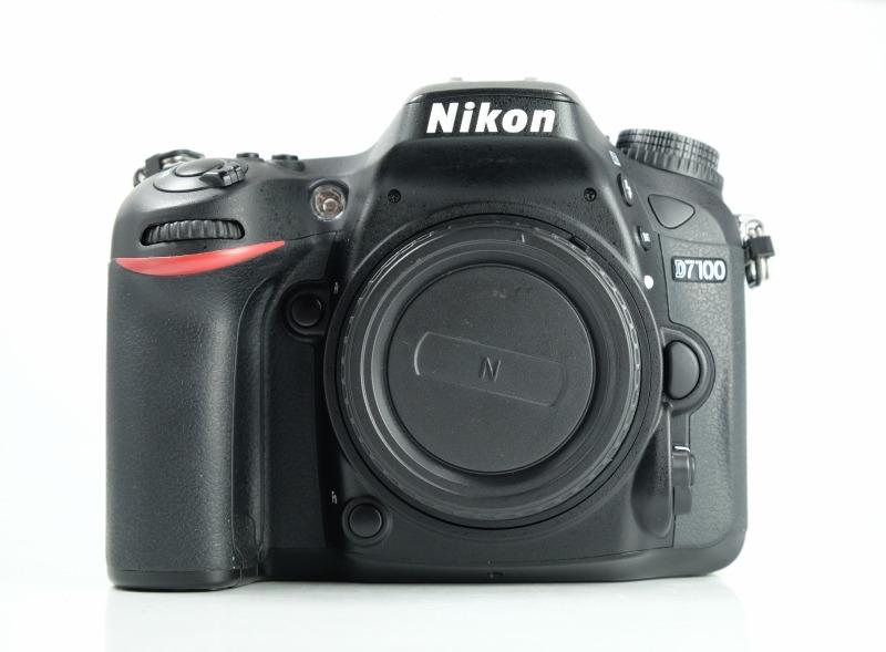 Nikon D7100  SUPER STAV