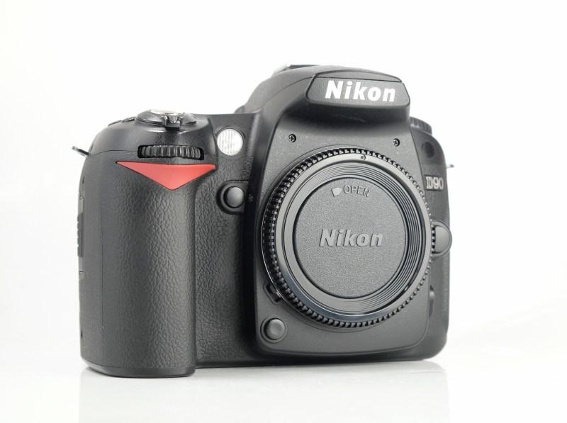 NIKON D90 SUPER STAV