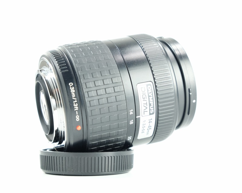 Olympus ZUIKO 14-45mm f/3,5-5,6 EZ