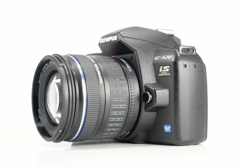 Olympus E-520 + 14-42 mm TOP STAV
