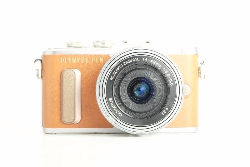 Olympus PEN E-PL8 + 14-42mm EZ