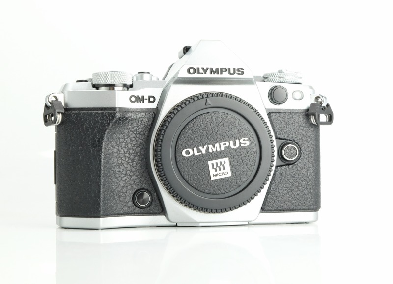 OLYMPUS E-M5 Mark II TOP