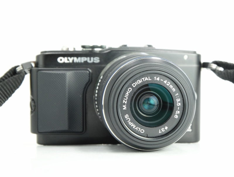 OLYMPUS E-PL5 černý + 14-42 mm II R