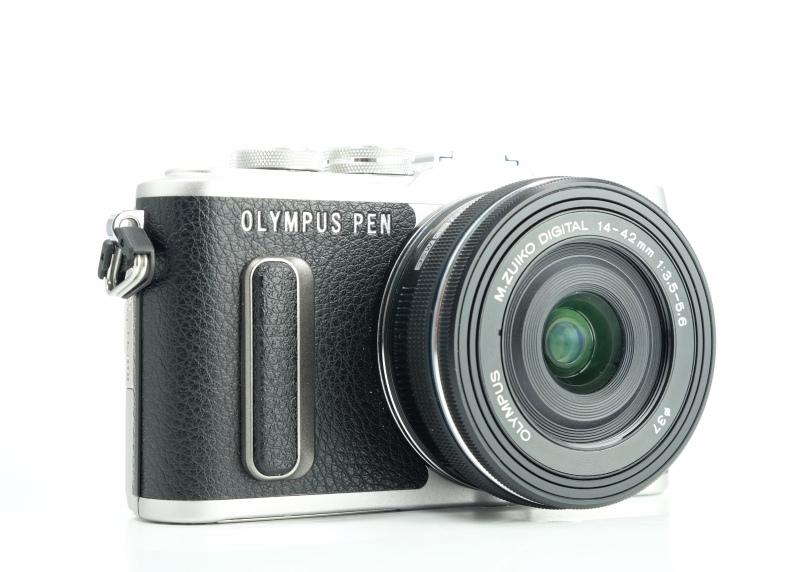 Olympus PEN E-PL8 + 14-42mm EZ záruka 10/2021 TOP