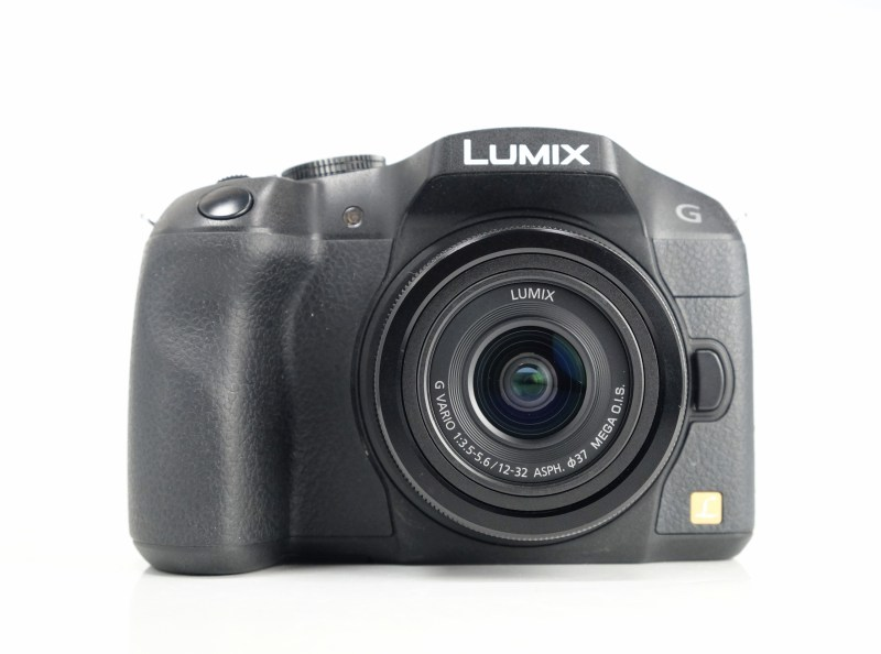 PANASONIC Lumix DMC-G6  + 12-32mm TOP STAV
