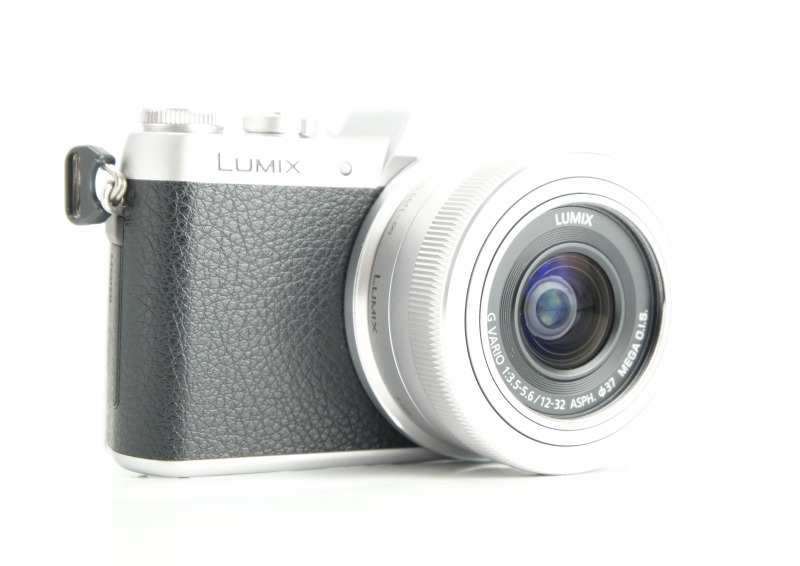 PANASONIC Lumix DMC-GF7 + 12-32 mm TOP