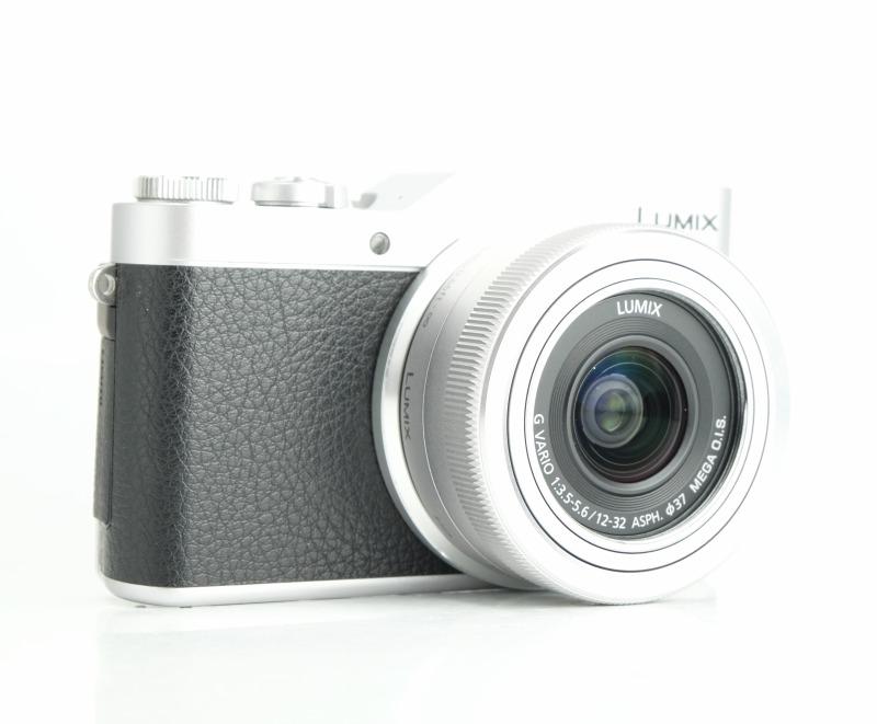 PANASONIC Lumix DMC-GX800 + 12-32mm  TOP