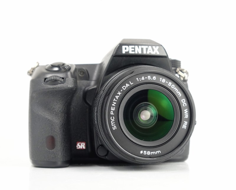 Pentax K-5 + 18-50mm WR