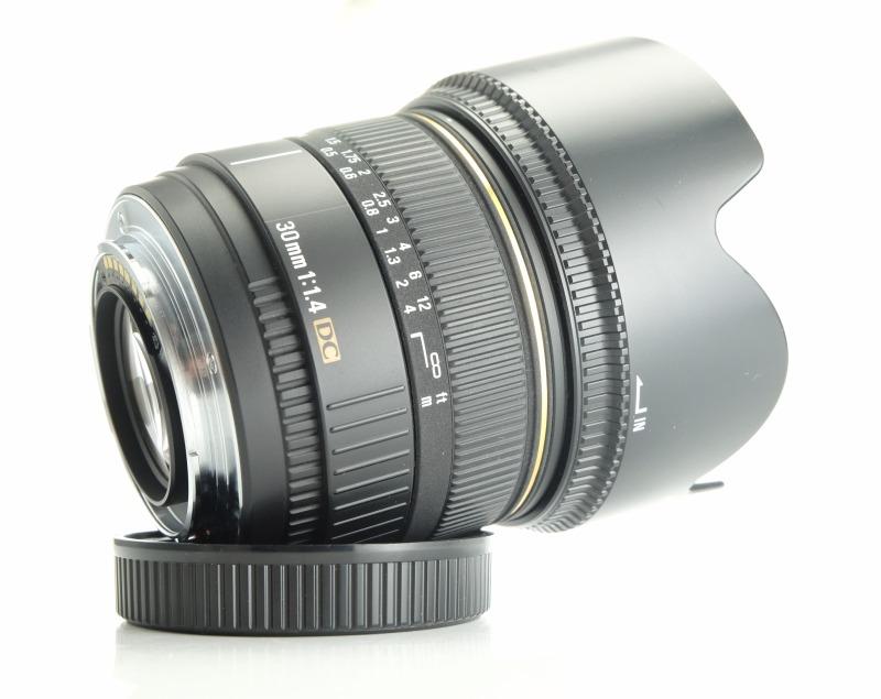SIGMA 30 mm f/1,4 DC  pro Sony / Minolta