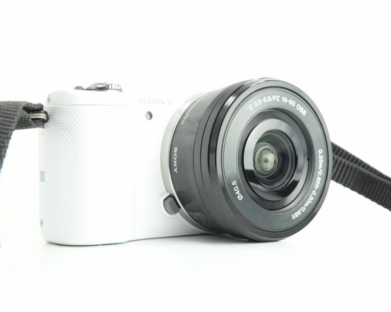 Sony Alpha A5000 + 16-50mm TOP STAV