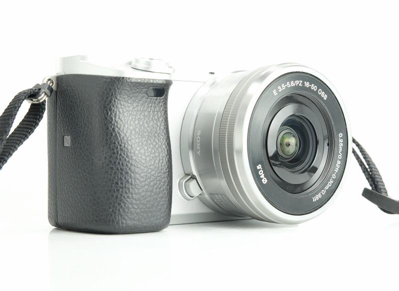 SONY Alpha A6300 + 16-50 mm