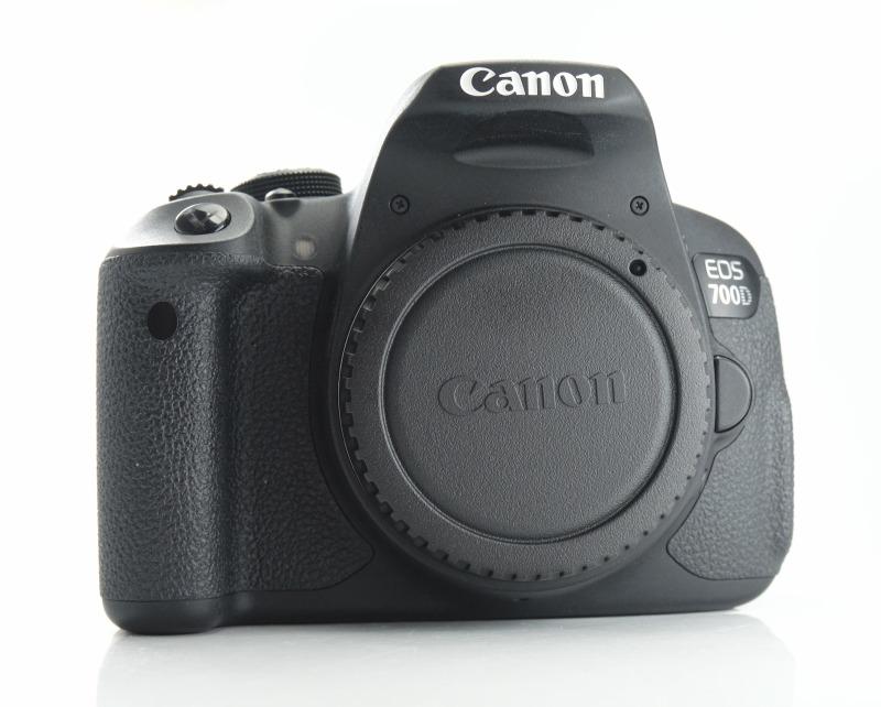 Canon EOS 700D  TOP