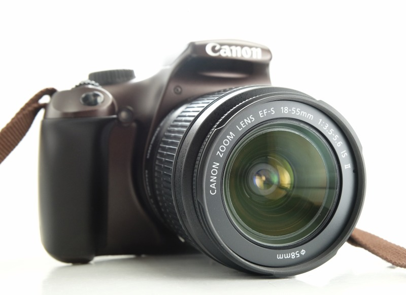 Canon EOS 1100D + Canon 18-55mm IS II TOP