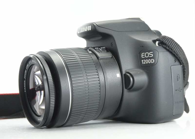Canon EOS 1200D + 18-55mm  III  TOP