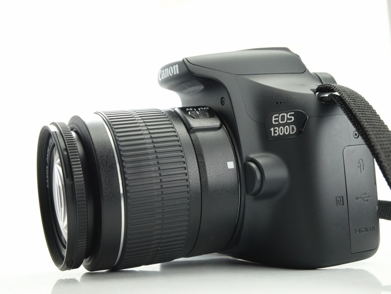 Canon EOS 1300D + 18-55mm  III  TOP STAV