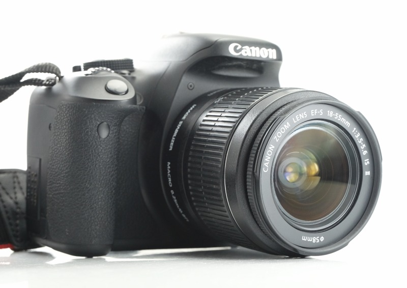 Canon EOS 600D  + 18-55mm IS II