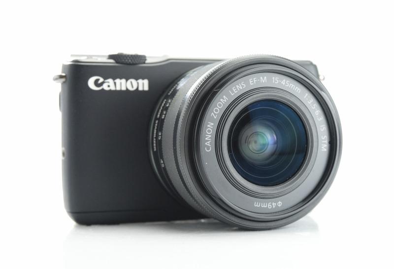 CANON EOS M10 + 15-45 mm STM