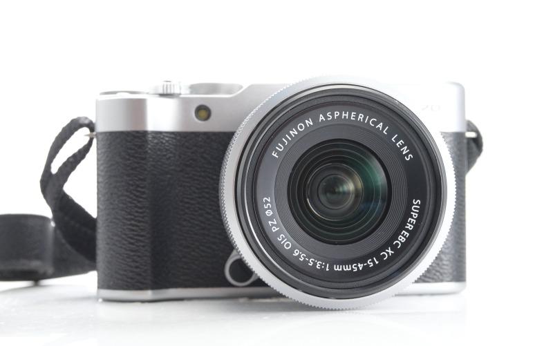 FUJIFILM X-A20 + XC 15-45 mm