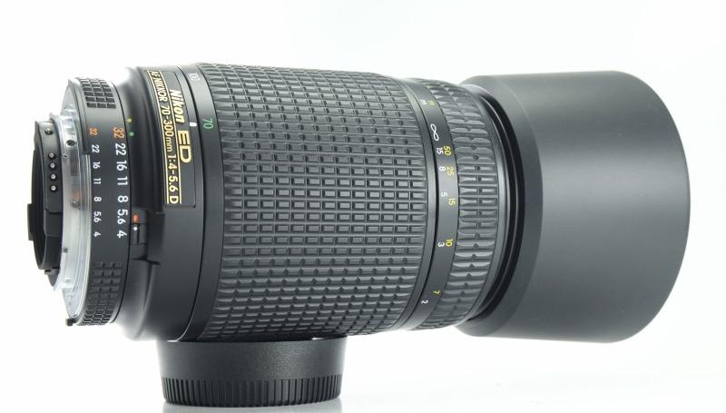 NIKON 70-300 mm f/4-5,6 AF D ED TOP