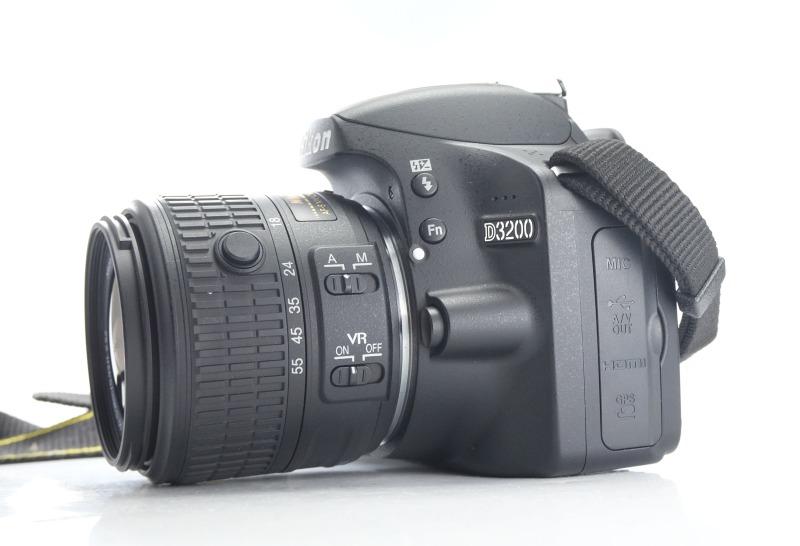 Nikon D3200 + 18-55mm VR II TOP