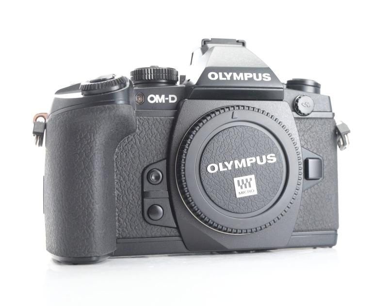 OLYMPUS E-M1 TOP