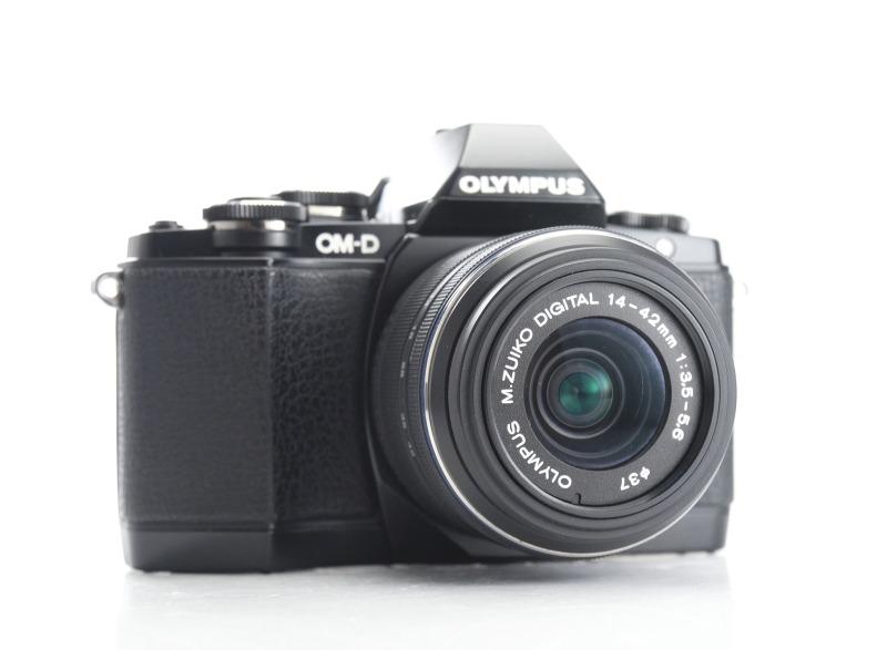 Olympus O-MD E-M10 + 14-42mm