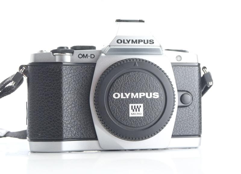 OLYMPUS E-M5  TOP