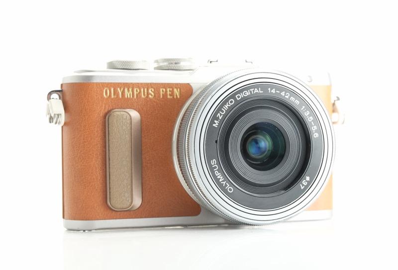 Olympus PEN E-PL8 + 14-42mm