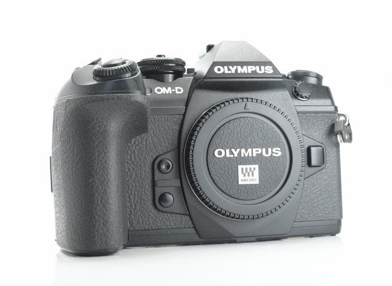 OLYMPUS E-M1 MARK II