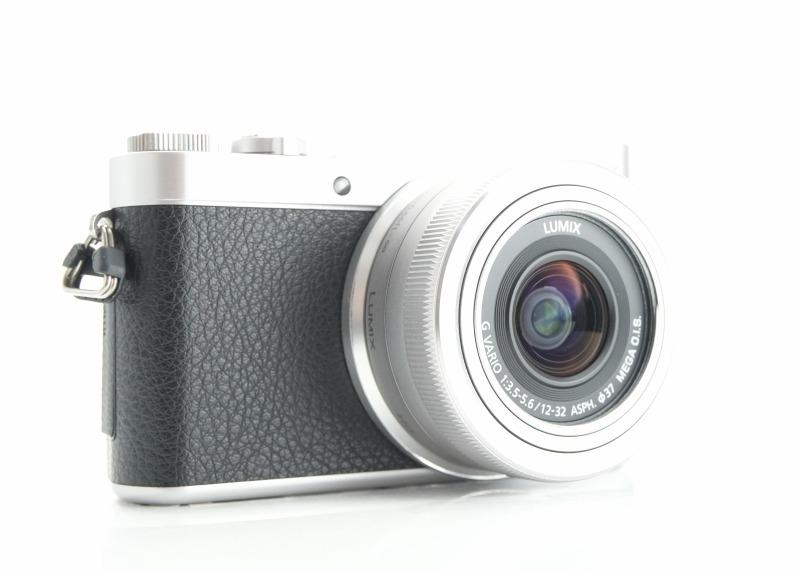 PANASONIC Lumix DMC-GX800 + 12-32 mm TOP