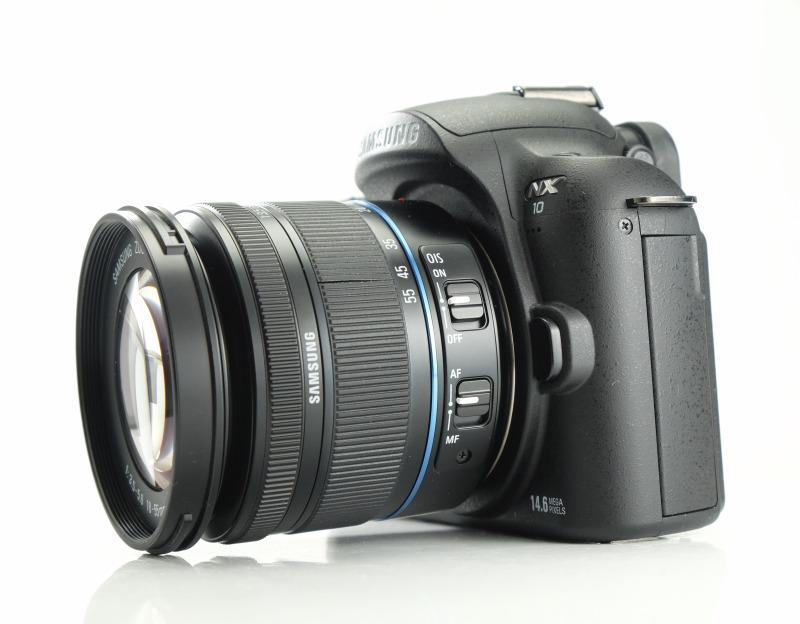Samsung NX10 + 18-55 mm OIS
