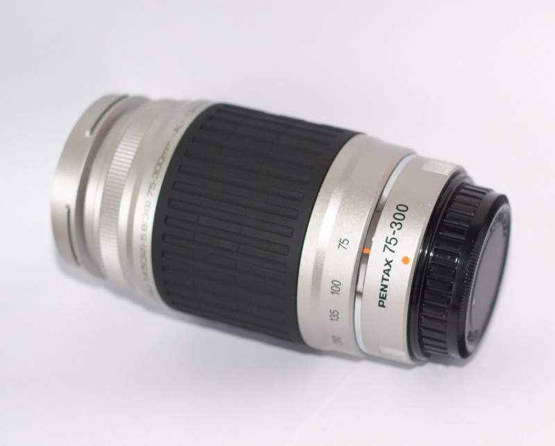 Pentax FA J 75-300mm smc f/4,5 -5,8 AL TOP STAV