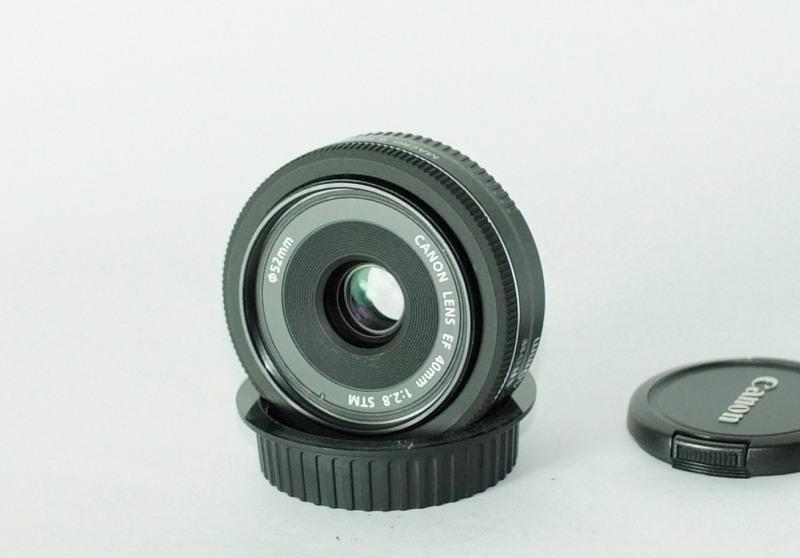 Canon EF 40mm f/2,8 STM TOP STAV záruka 5/2016