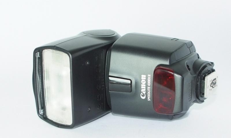 Canon SpeedLite 430EX II TOP STAV