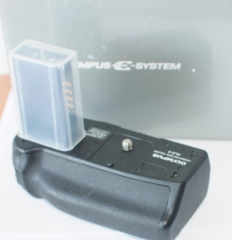 Bateriový grip Olympus HLD-5